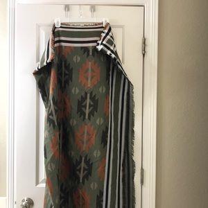 Blanket scarf with fringe detail